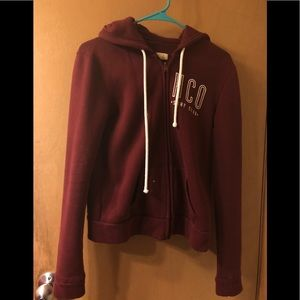 Hollister Women's small hoodie/sweater in maroon